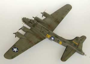 Model plane B-17F Memphis Belle (10)