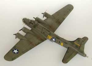 Model plane B-17F Memphis Belle (10)