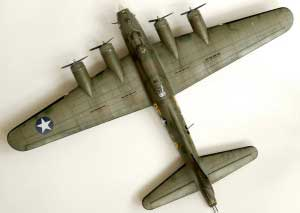 Model plane B-17F Memphis Belle (13)
