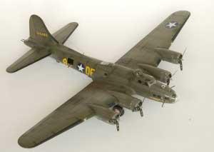Model plane B-17F Memphis Belle (15)