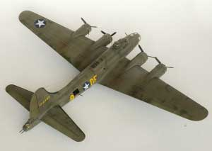 Model plane B-17F Memphis Belle (9)
