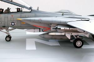 Plastic model airplane kit. F-14D (29)