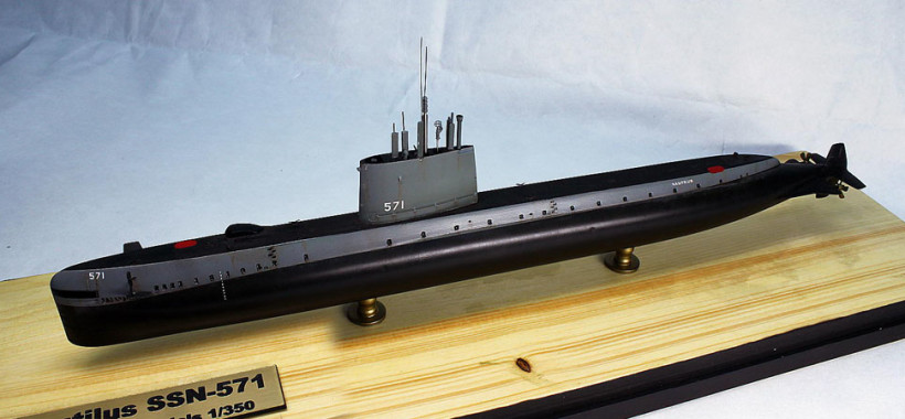 Submarine model kit USS Nautilus