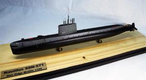 Submarine model kit USS Nautilus (8)
