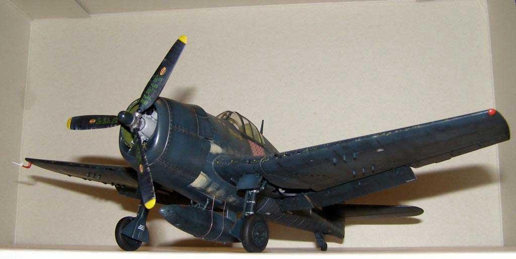 Plane model Hellcat -26