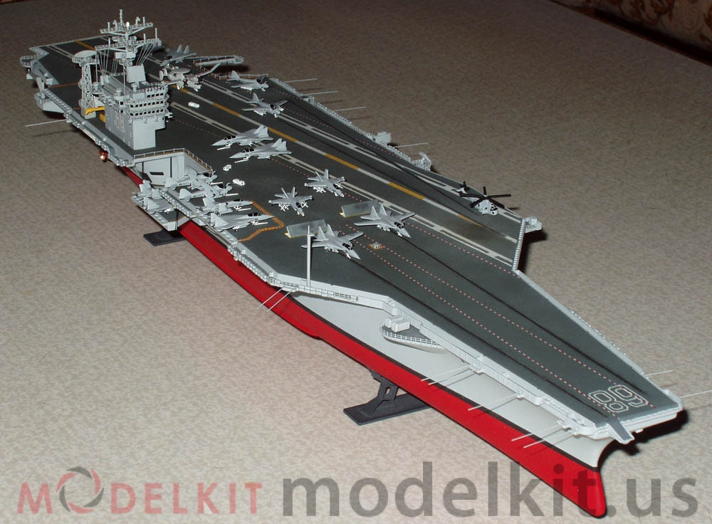model carrier Nimitz CVN-68