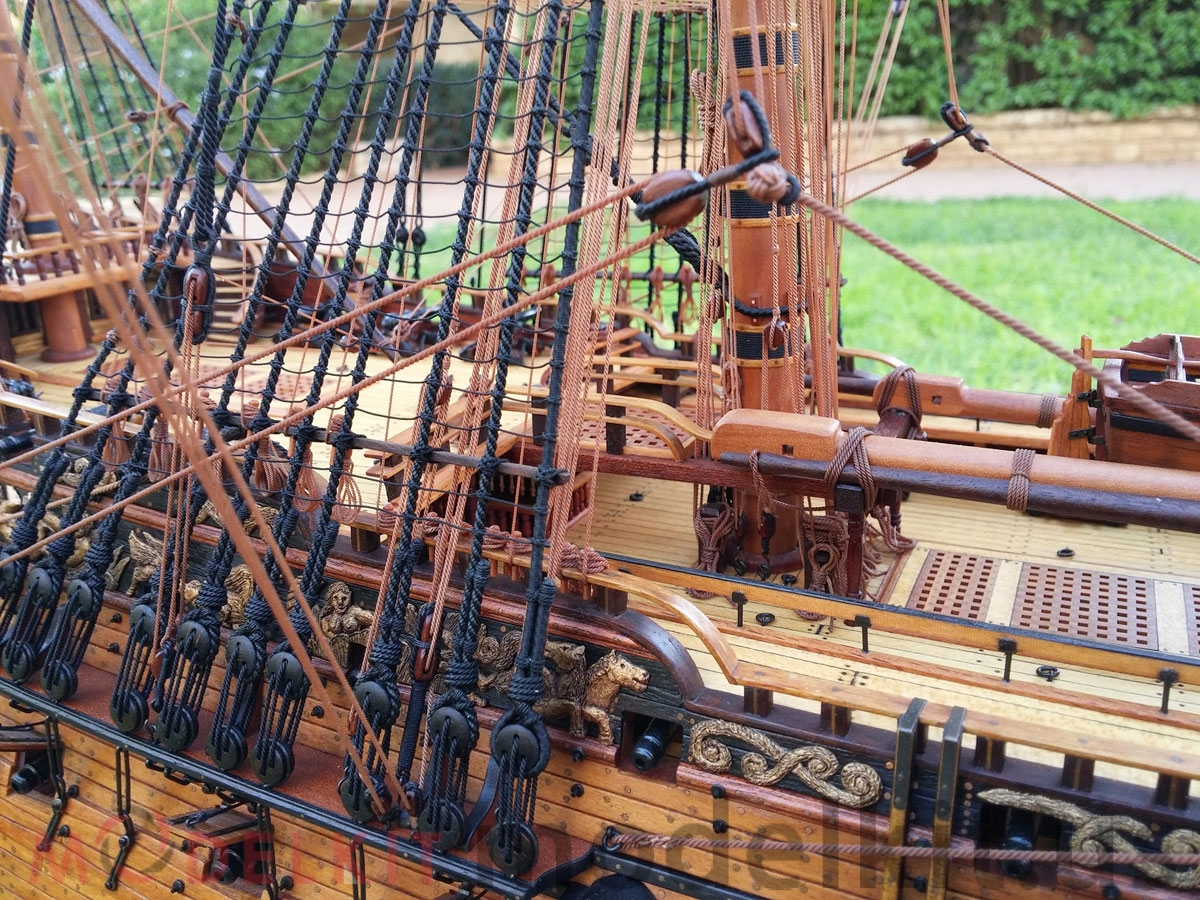 wooden model ship HMS Royal William 1719 (9)