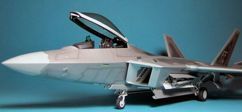 plastic model plane F-22 Raptor