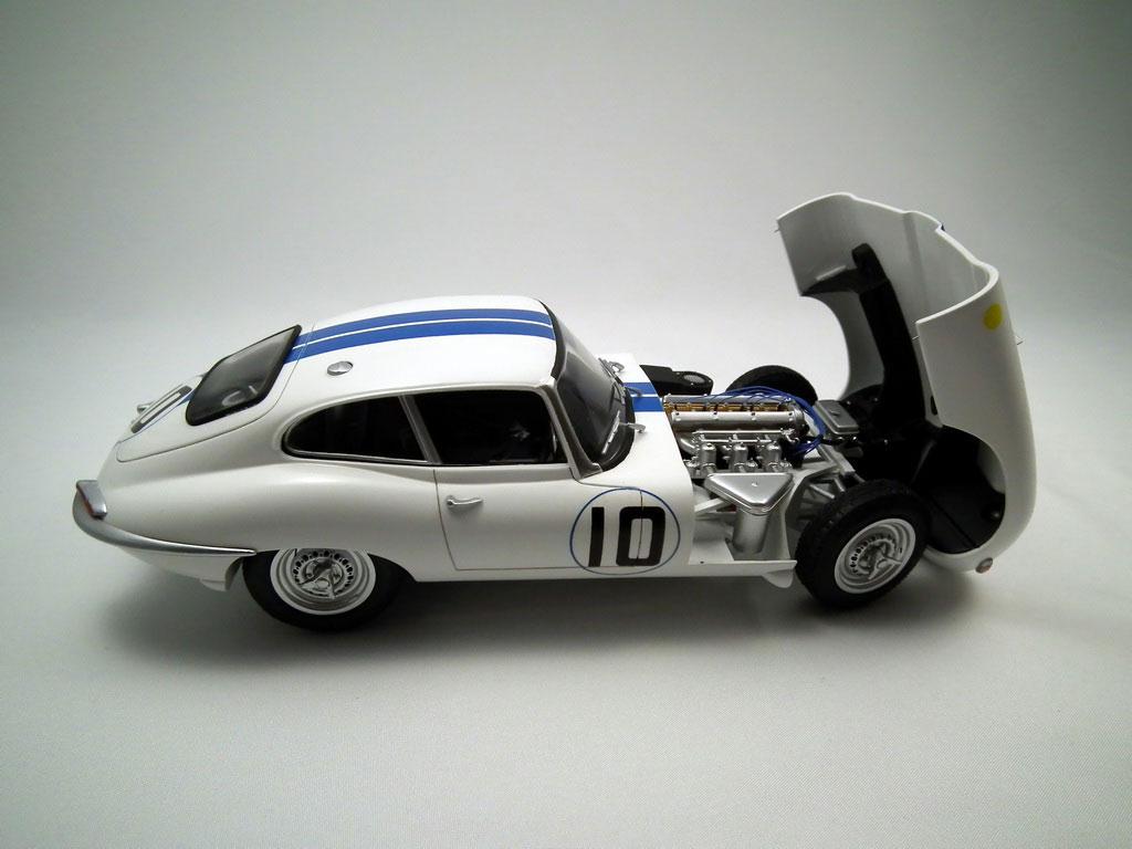 Heller's Car Model Kit Jaguar E-Type
