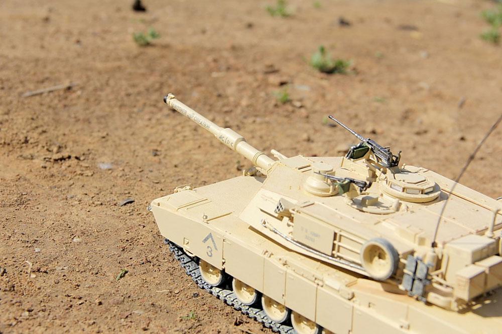 model tank Abrams M1A2