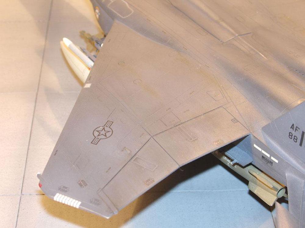 plastic model airplanes