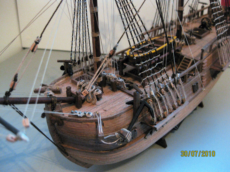 wooden model kit Endeavour