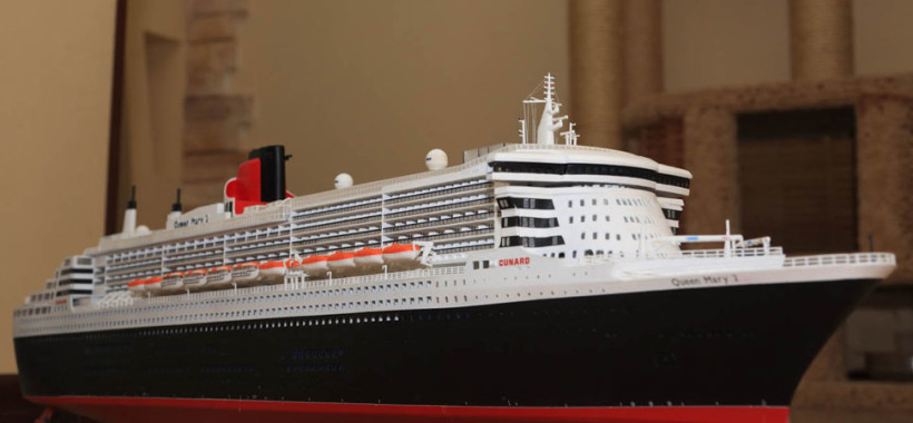 model сruise ship Queen Mary II